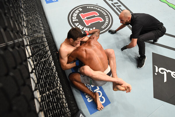 Shavkat Rakhmonov of Kazakhstan submitted Alex Oliveira of Brazil with a choke to win his U.F.C. welterweight debut.