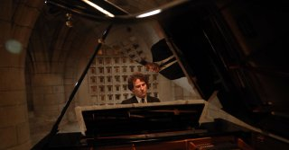 A Pianist Loses Himself in a Musical 'Labyrinth'