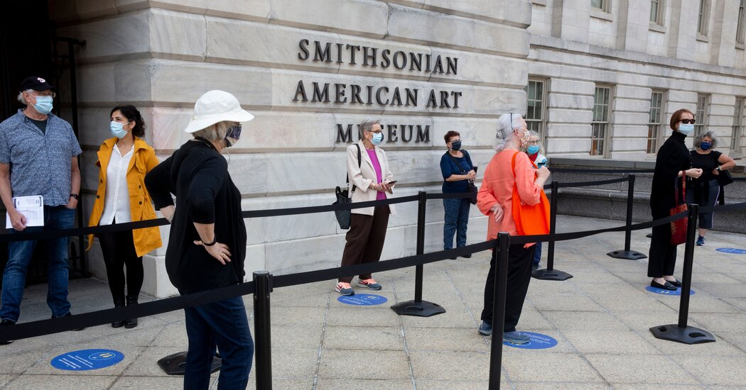 Smithsonian to Close Its Washington Museums on Monday