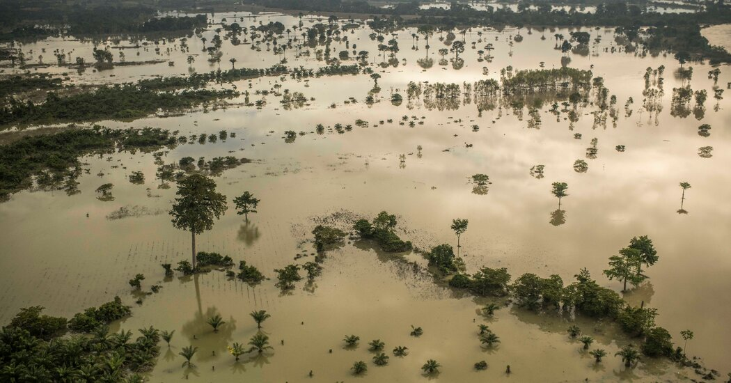 2 Hurricanes Devastated Central America. Will the Ruin Spur a Migration Wave?