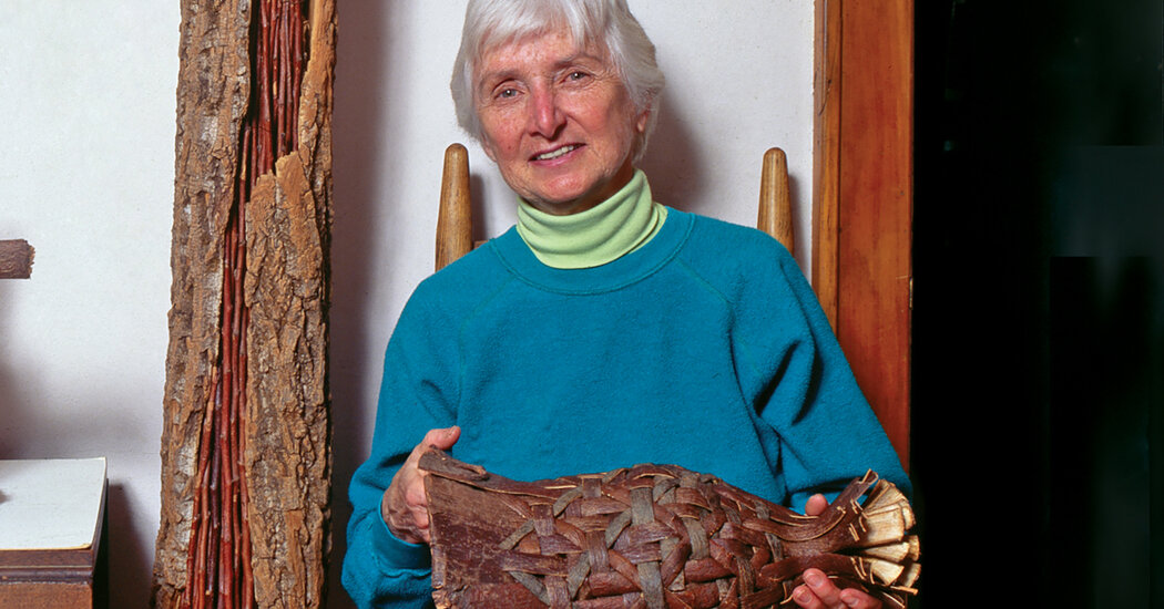 Dorothy Gill Barnes, 93, Artist Whose Raw Material Came From Trees, Dies
