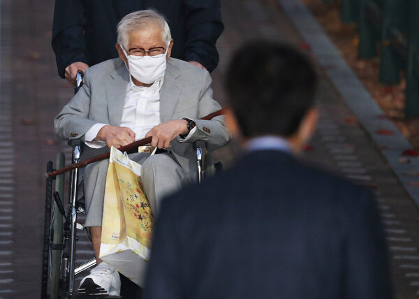 Lee Man-hee, a leader of Shincheonji Church of Jesus, leaving a detention center in Suwon, South Korea, in November.