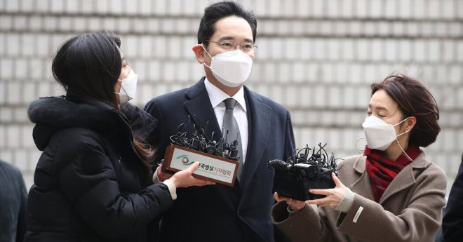 J.Y. Lee, Chief of South Korea's Samsung Business Empire, Is Sent to Prison