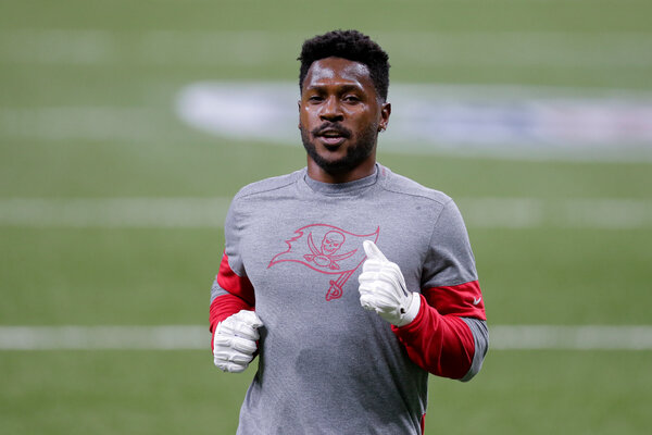 Antonio Brown had become a reliable target for Tom Brady since signing with the Buccaneers in October, following an eight-game N.F.L. suspension after pleading no contest to burglary and battery charges.