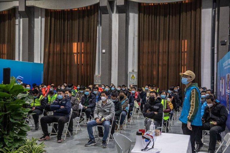 1月,北京一家疫苗中心,政府组织了一次媒体参观。