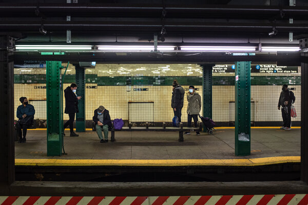 A Manhattan subway station before it closed for the night last month. Starting on Monday, the subway system will close from 2 to 4 a.m., instead of the current daily closure of 1 to 5 a.m.