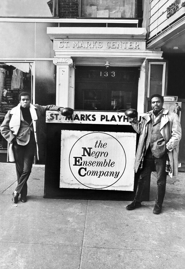Mr. Ward, in 1967, with Robert Hooke, co-founder of the ensemble company.  He established a headquarters that year at St. Mark's Playhouse in the East Village with a grant from the Ford Foundation.