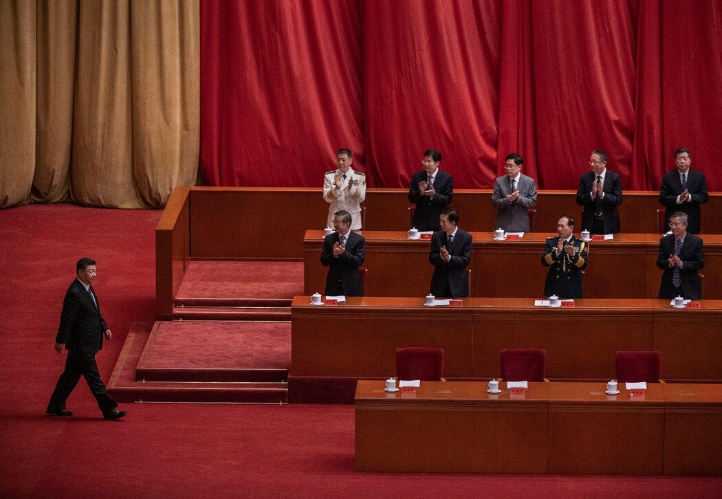 中国国家主席习近平对香港领导人说,让爱国者治港是确保香港长期稳定的唯一途径。