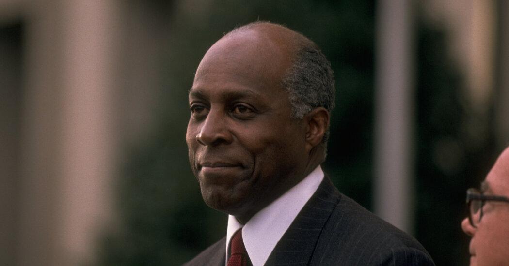Vernon Jordan, Civil Rights Leader and D.C. Power Broker, Dies at 85