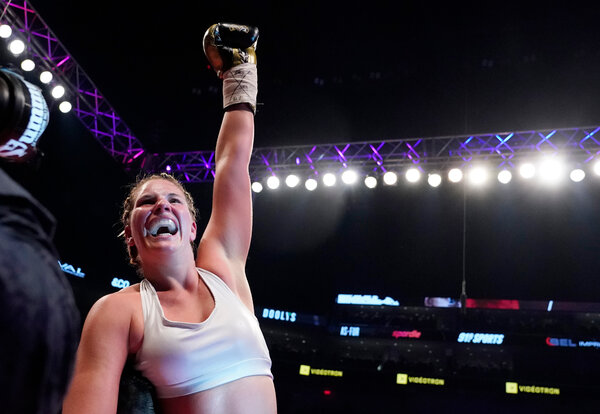 Marie-Eve Dicaire beat Chris Namus for the women's I.B.F. light welterweight championship in Quebec City in December 2018.
