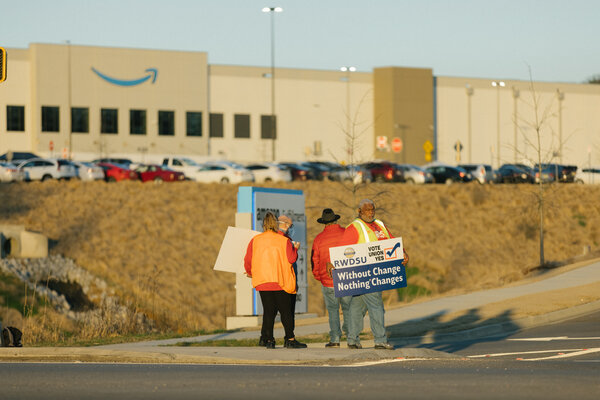 Union members canvassing at the Amazon fulfillment center in Bessemer, Ala.