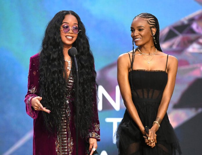 """H.E.R. and Tiara Thomas won song of the year for """"I Can't Breathe."""""""