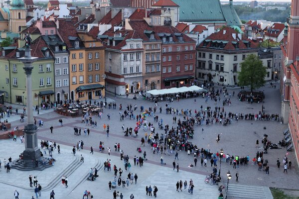 Castle Square in Warsaw on Saturday, during the first weekend after Poland eased pandemic restrictions.