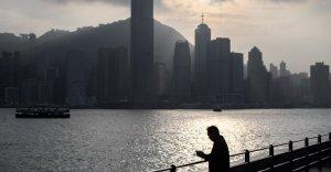 Hong Kong 90-year-old woman stolen $ 33 million in phone scheme