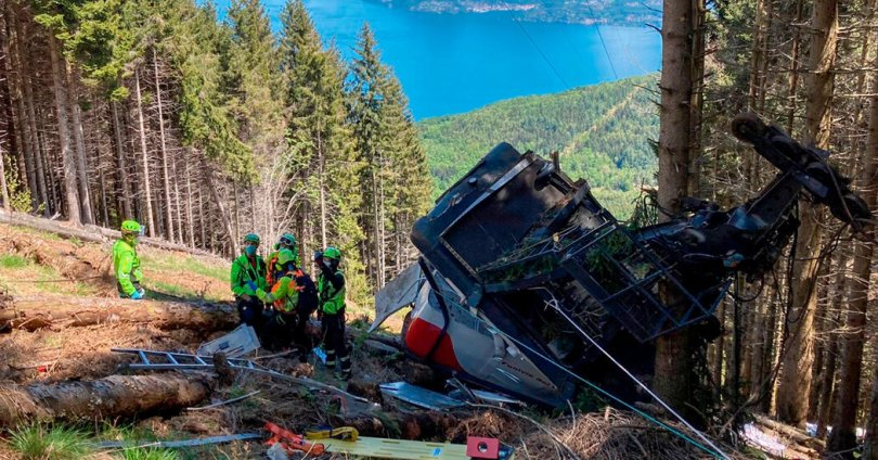 Cable Car Plunges in Italy, Killing at Least 11 People
