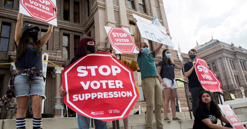 Texas Democrats Stymie GOP Voting Bill, for Now