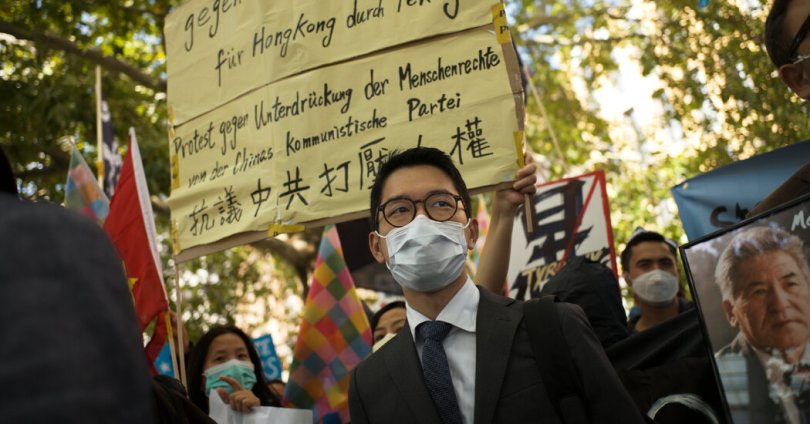 In Hong Kong, Short-Lived Censorship Hints at a Deeper Standoff