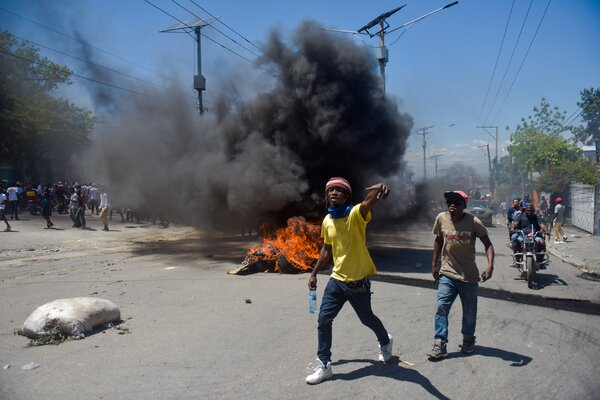 Haitians took to the streets of Port-au-Prince in March to protest the new Constitution promoted by Jovenal Moïse.