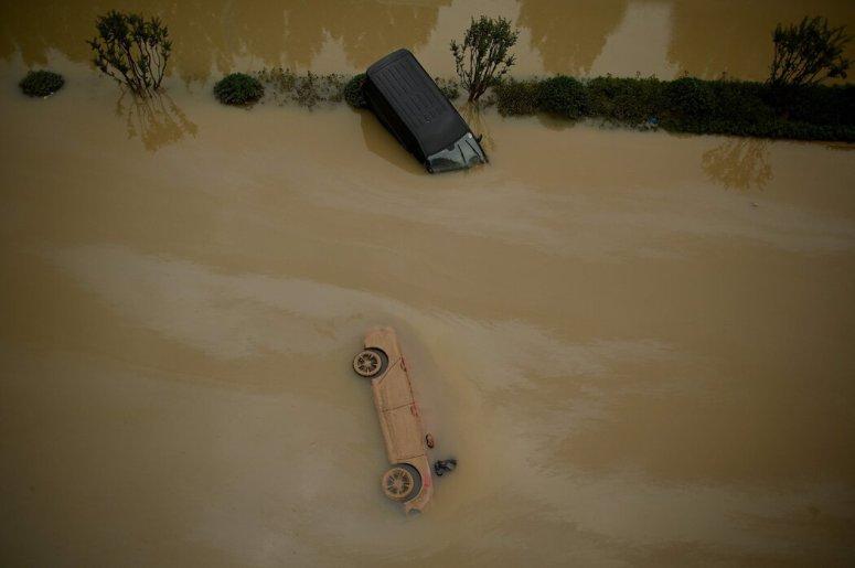 洪水造成的死亡人数继续上升。该省官员表示,已有33人遇难。