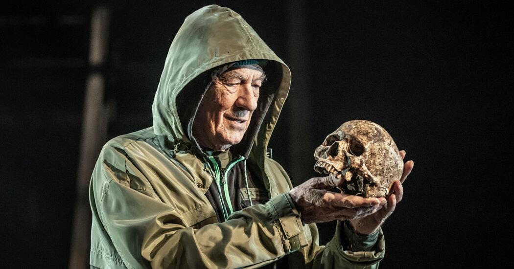 Ian McKellen Returns as Hamlet in U.K. Production