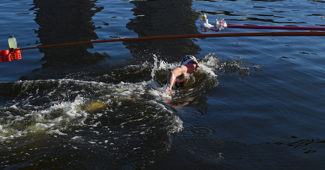 Marathon Swimmers Battle Heat and Bacteria in Tokyo