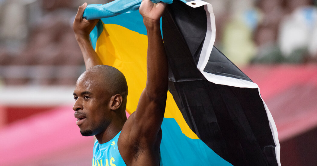 Steven Gardiner of the Bahamas Won the 400 Meters