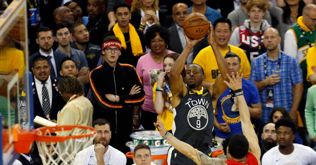 Andre Iguodala Plans to End His Career With Golden State