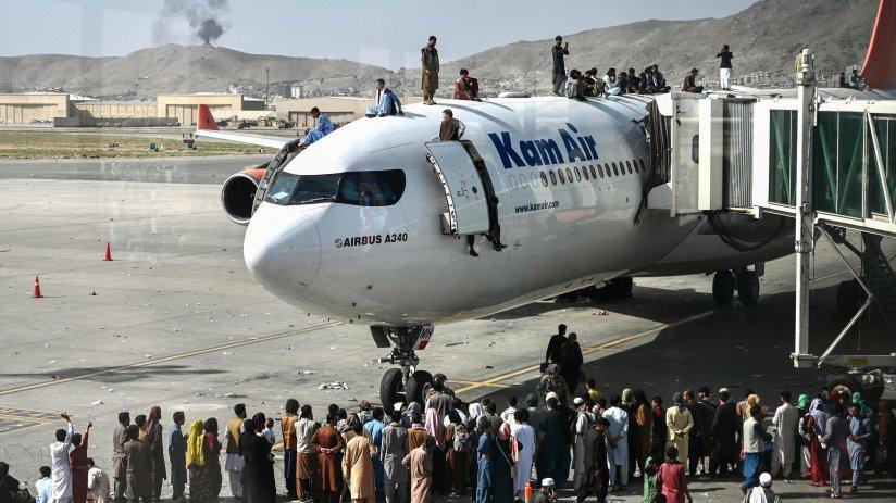 Siguen las evacuaciones en el aeropuerto de Kabul