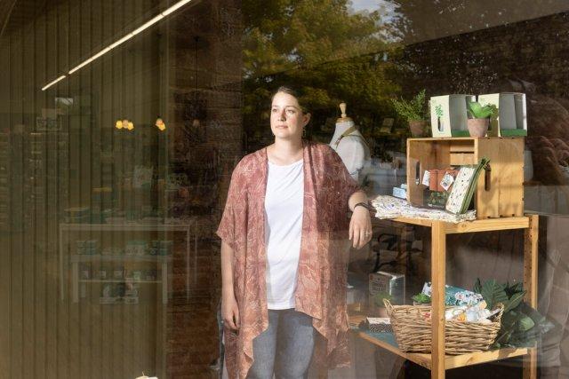 科尔丝藤·杰斯达尔已放弃了为她在南达科他州布鲁金斯市的厨房用品店订购某些货物,因为她已厌倦了总告诉顾客她不知到什么时候到货。