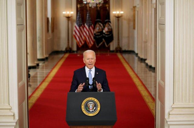 周二,白宫,拜登总统就结束阿富汗战争发表讲话。