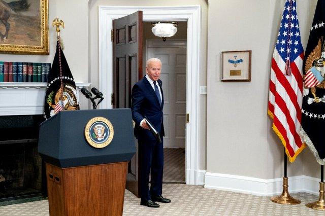 塔利班已明确表示希望与华盛顿建立关系,但拜登总统的任何让步都可能涉及痛苦的政治选择。