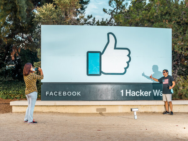, Facebook and All of Its Apps Go Down Simultaneously, Nzuchi Times National News