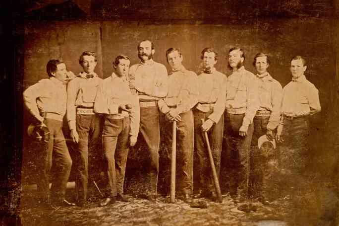Бруклинский клуб Excelsior Base Ball в 1860 году. Джеймс Крейтон - третий слева.