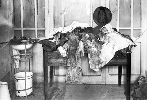 Ropas y efectos personales de García Jalón encontradas en el domicilio del capitán Sánchez junto a su cadáver descuartizado
