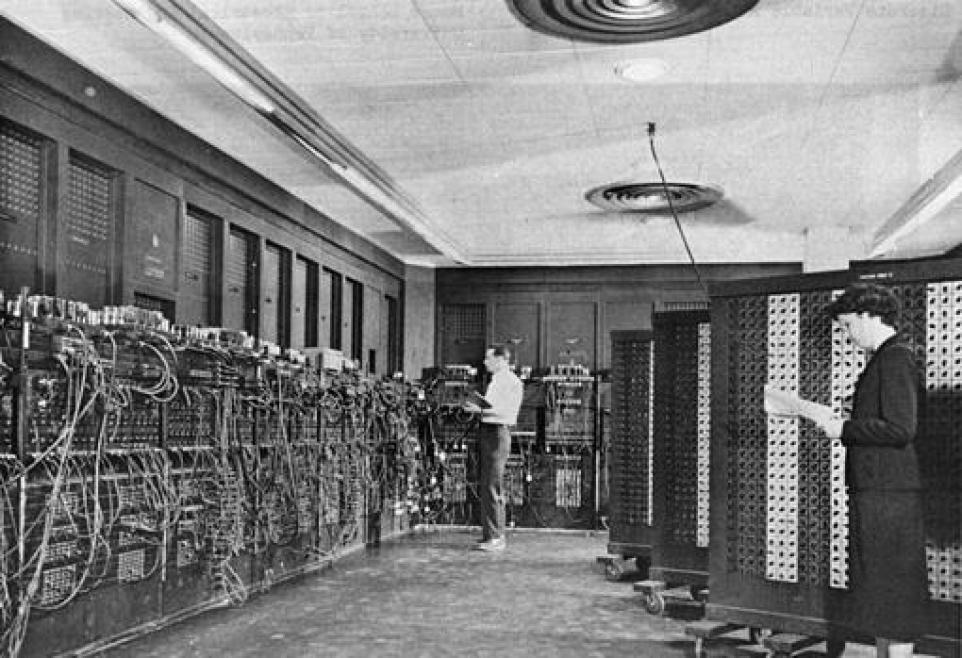 Proyecto ENIAC, uno de los primeros ordenadores clásicos que podía llevar a cabo varias funciones y ser reprogramado