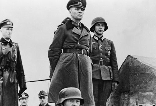Rommel inspecciona las defensas de Normandía