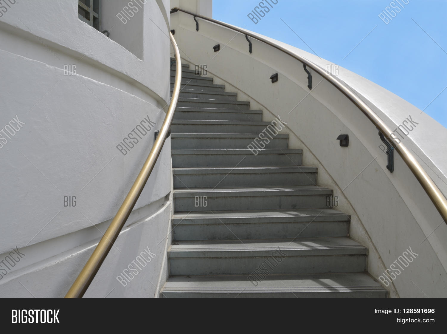 Los Angeles May 3 Image Photo Free Trial Bigstock | Spiral Staircase Los Angeles | Loft | Handrail | 42 Inch | Romantic | Double Spiral