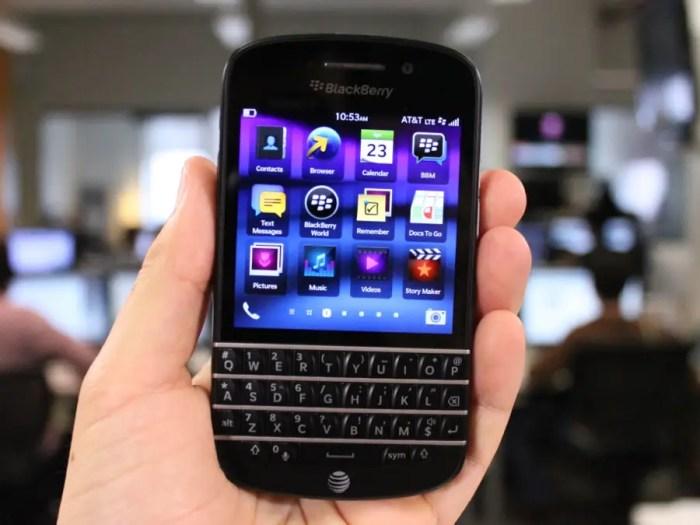 #17 BlackBerry Q10