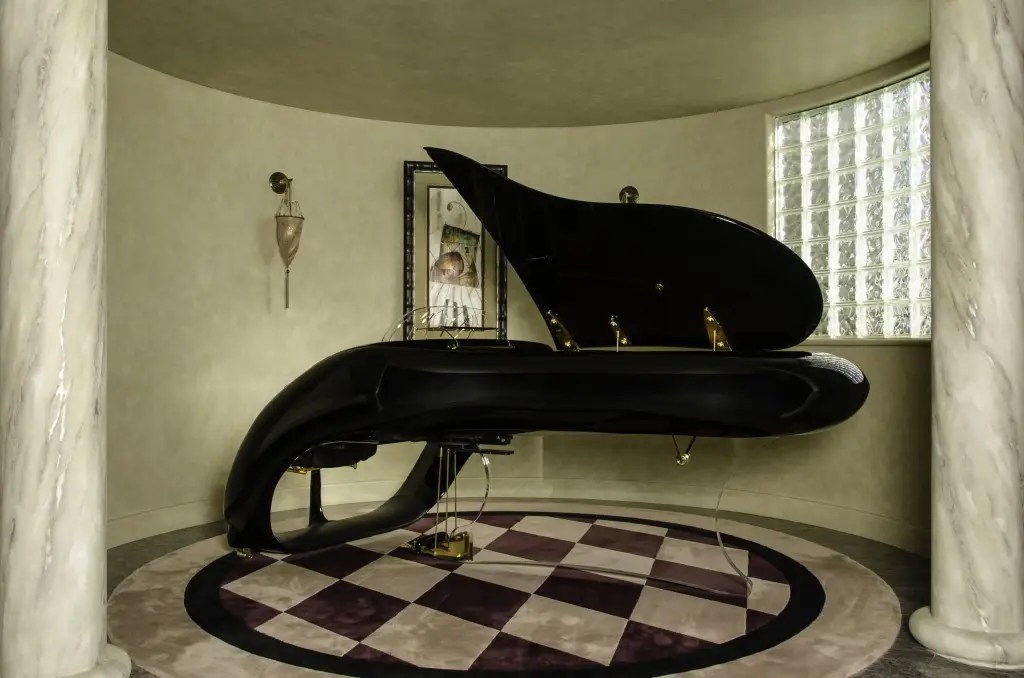 In one corner stands a Schimmel Pegasus piano designed by Luigi Colani, one of only a few of its kind in the world.