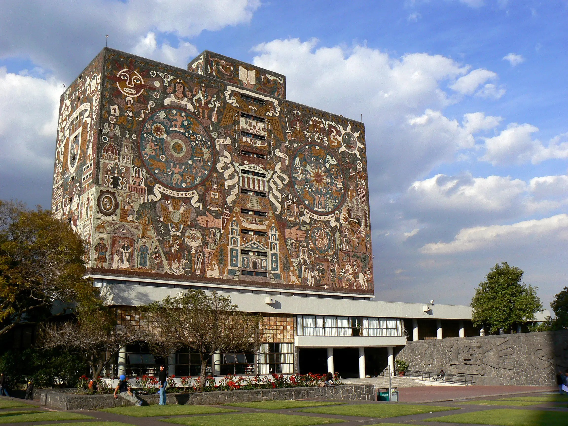 Biblioteca Central, home to 400,000 books at the Universidad Nacional Autónoma de México, opened its doors in April 1956. The outside is covered in a tiled mosaic painted by Juan O'Gorman. Each wall represents a part of Mexico's past: pre-Hispanic, colonial, contemporary and the university's place in modern Mexico.