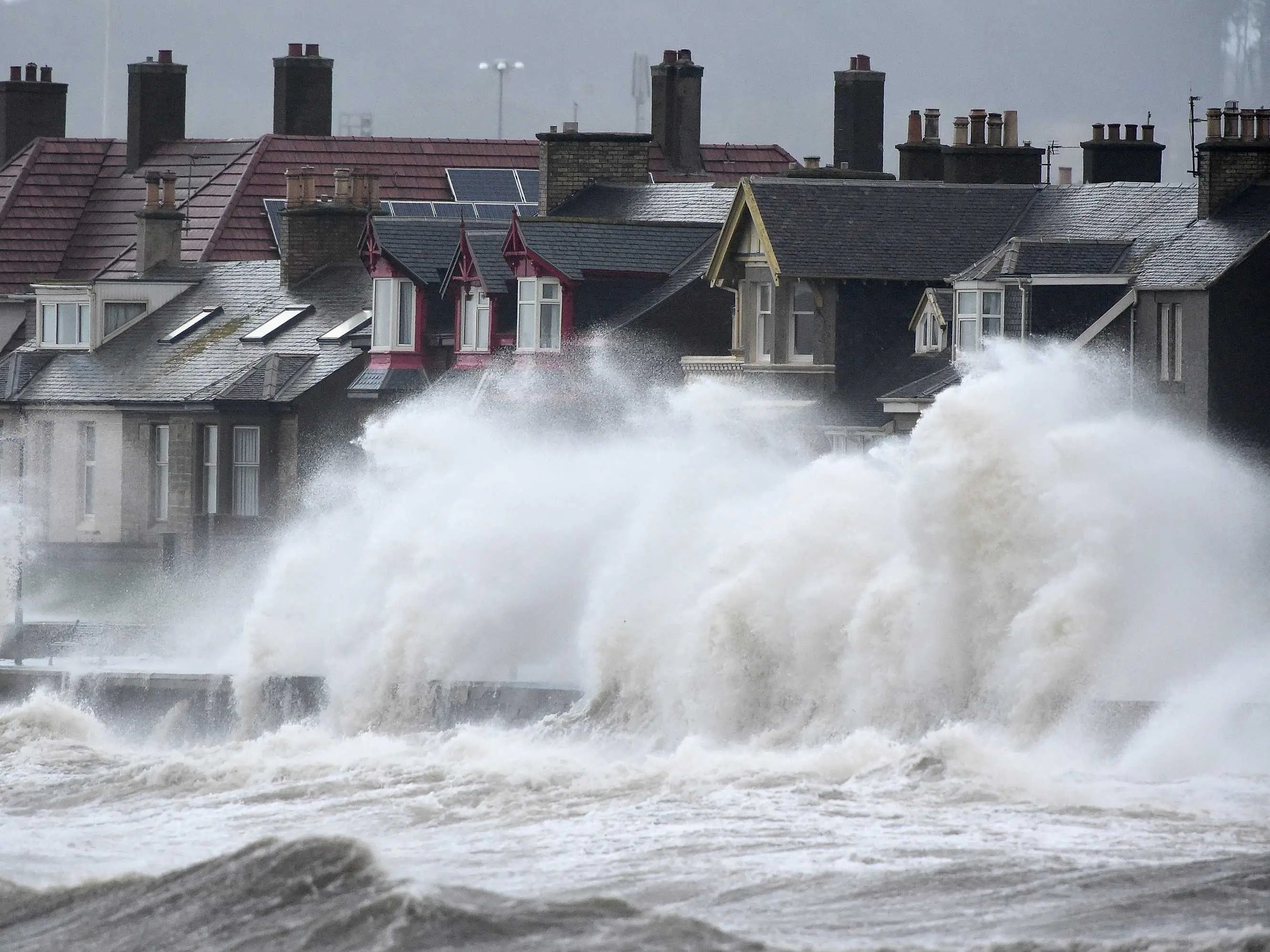 Pictures Of Waves From Uk Weather