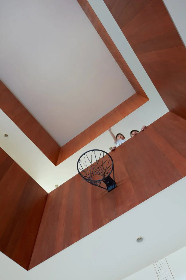 House with giant basketball court - Business Insider