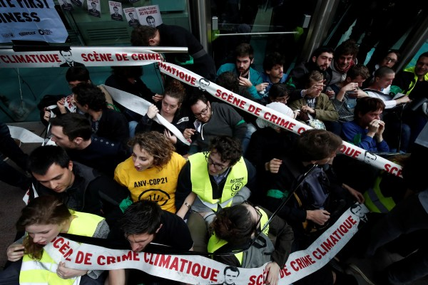 Climate change protesters block access to French ...