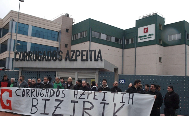 Workers at Corrugados Azpeitia, which Gallardo closed in 2013, fought for their company.