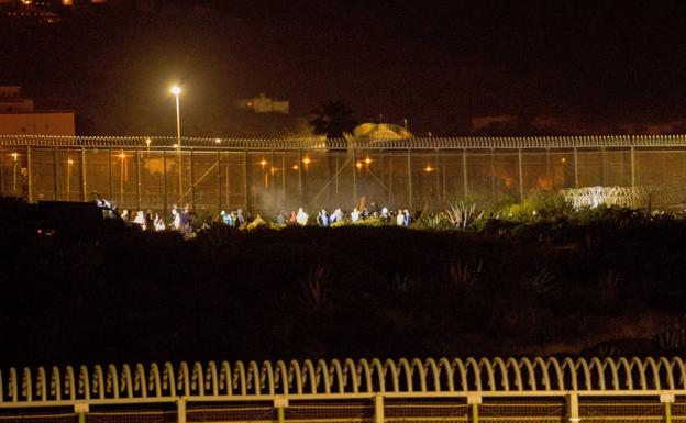 Attempt to jump to the fence of Melilla.