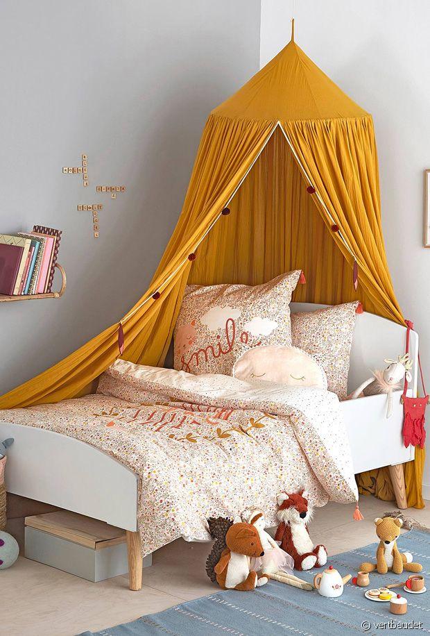ciel de lit pour une chambre d enfant