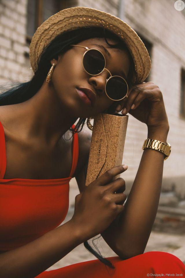 A base para a pele negra precisa ser oil-free para não aumentar a oleosidade do rosto