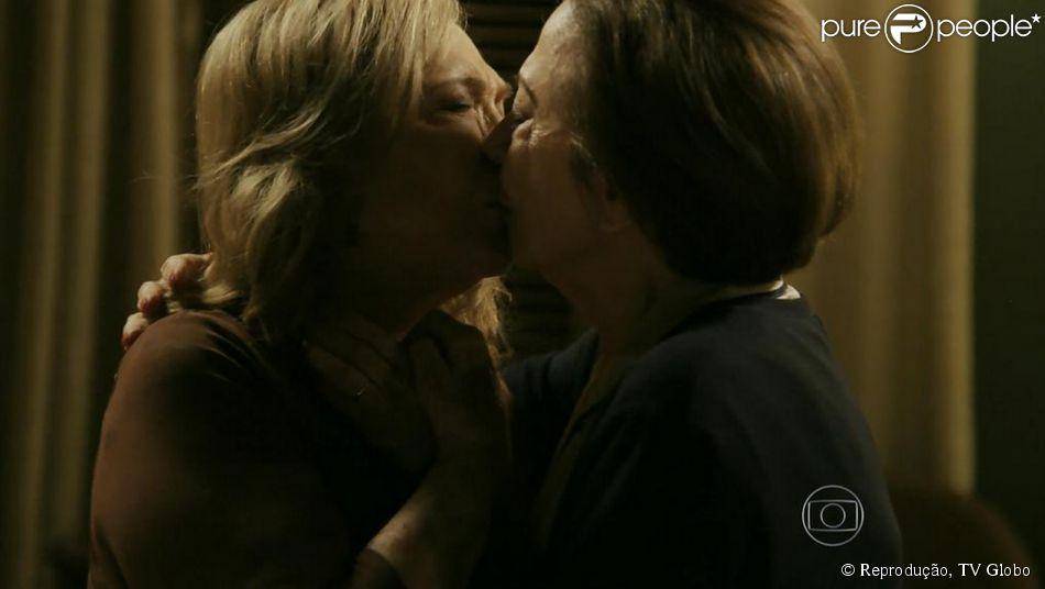 Resultado de imagem para Beijo gay Babilônia