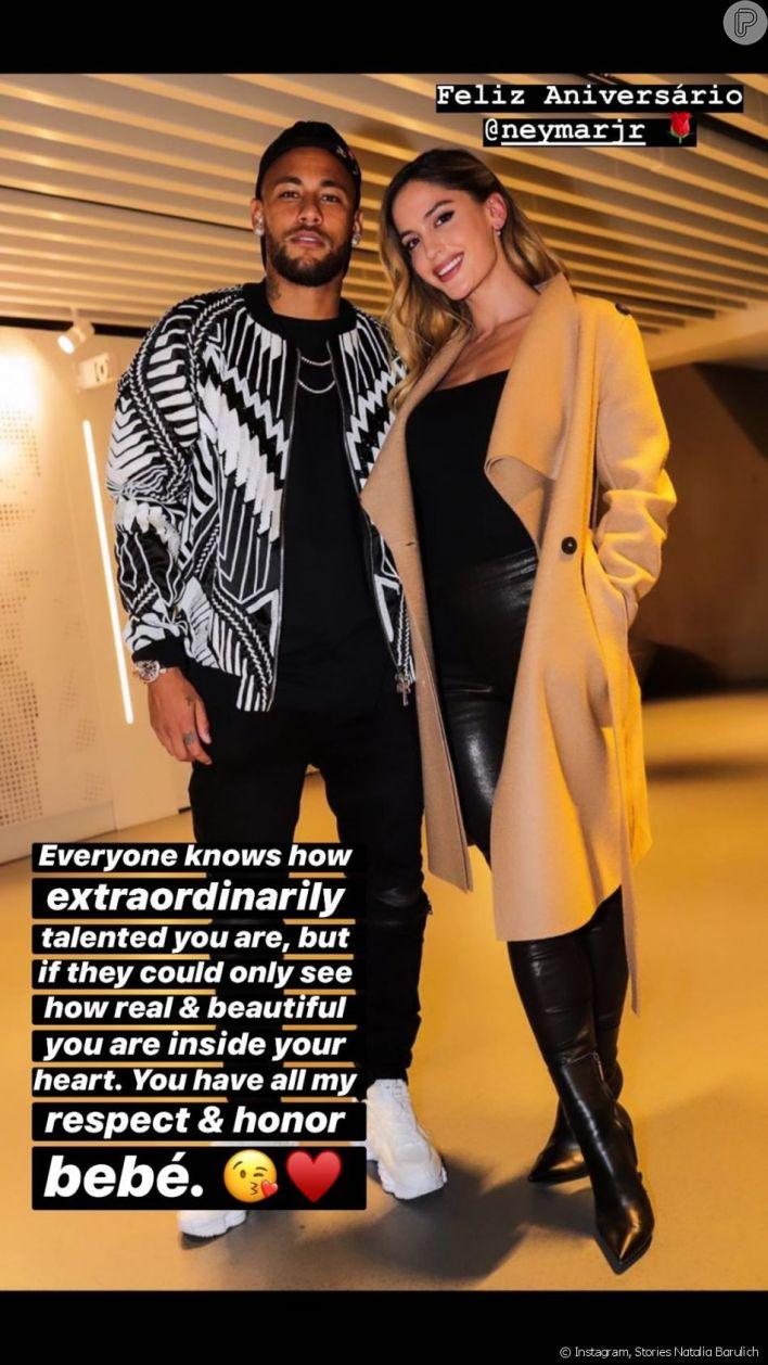 Modelo, apontada como affair de Neymar, exibe foto com o jogador por aniversário de 28 anos nesta quarta-feira, dia 05 de fevereiro de 2020
