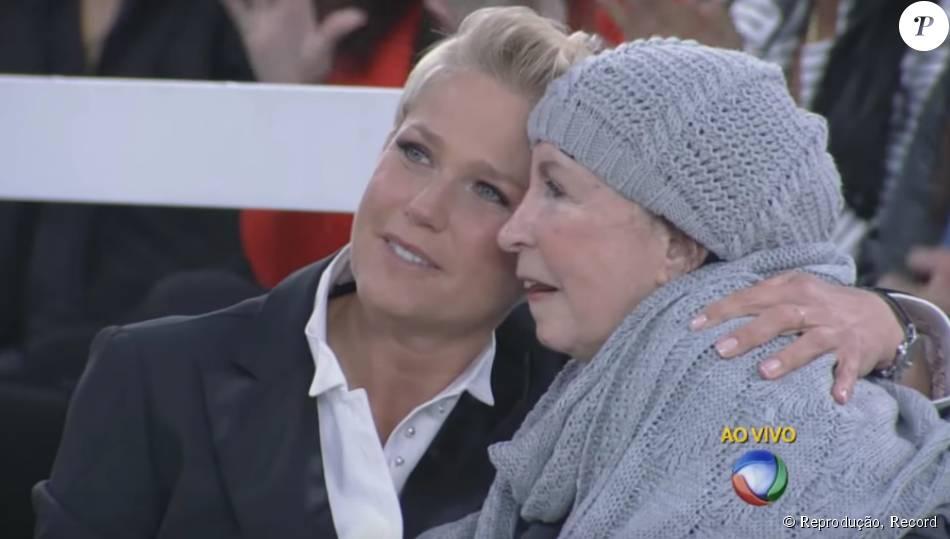 Xuxa também mostrou muito carinho por Dona Alda